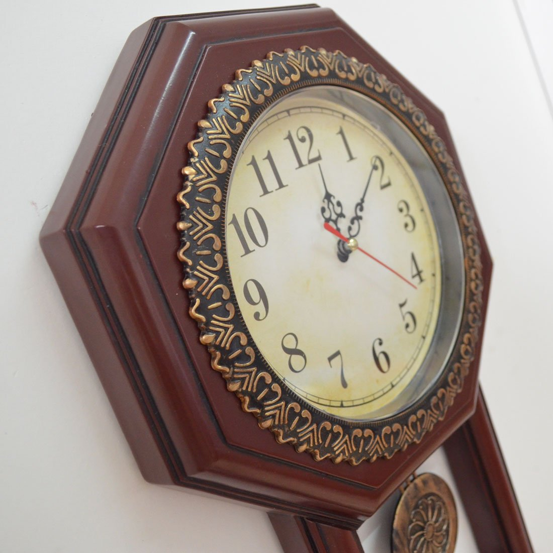 Giftgarden Housewarming Vintage Wall Clock Imitation Wood Color for Bedroom Decor 2