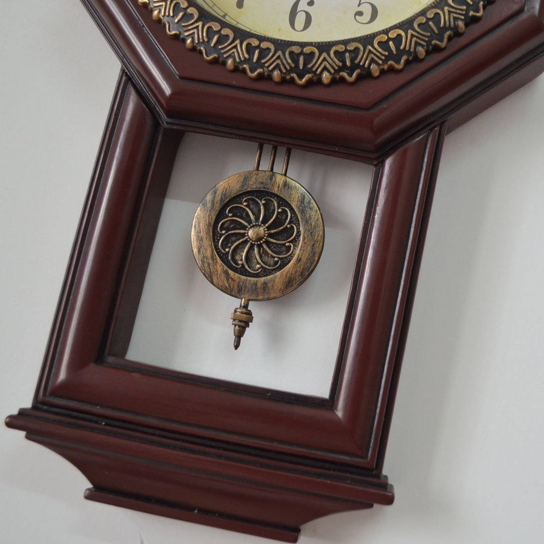 Giftgarden Housewarming Vintage Wall Clock Imitation Wood Color for Bedroom Decor 7