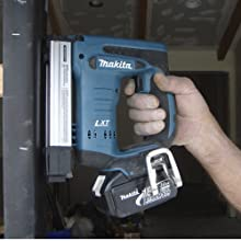 Makita BST221Z 18-Volt LXT Lithium-Ion Cordless 3/8-Inch Crown Stapler (Tool Only, No Battery)