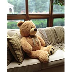 Cute Christmas present ideas for girlfriend: Teddy Bear