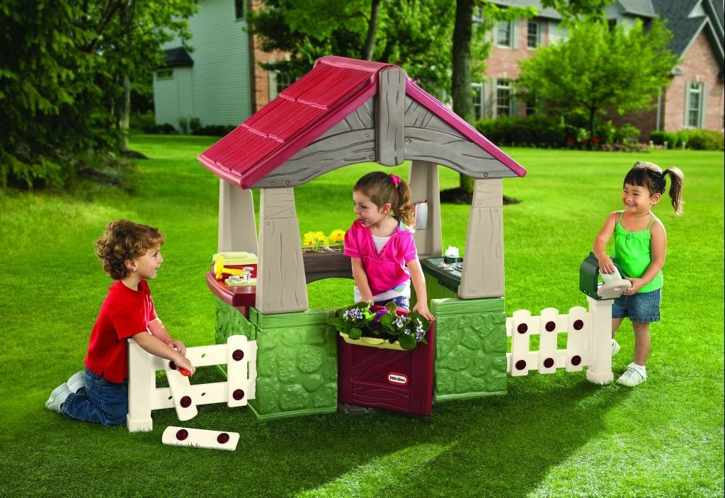 An Image of Little Tikes Home and Garden Playhouse