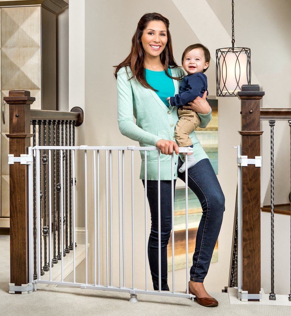 Regalo Top Of Stairs Expandable Metal Gate With Mounting