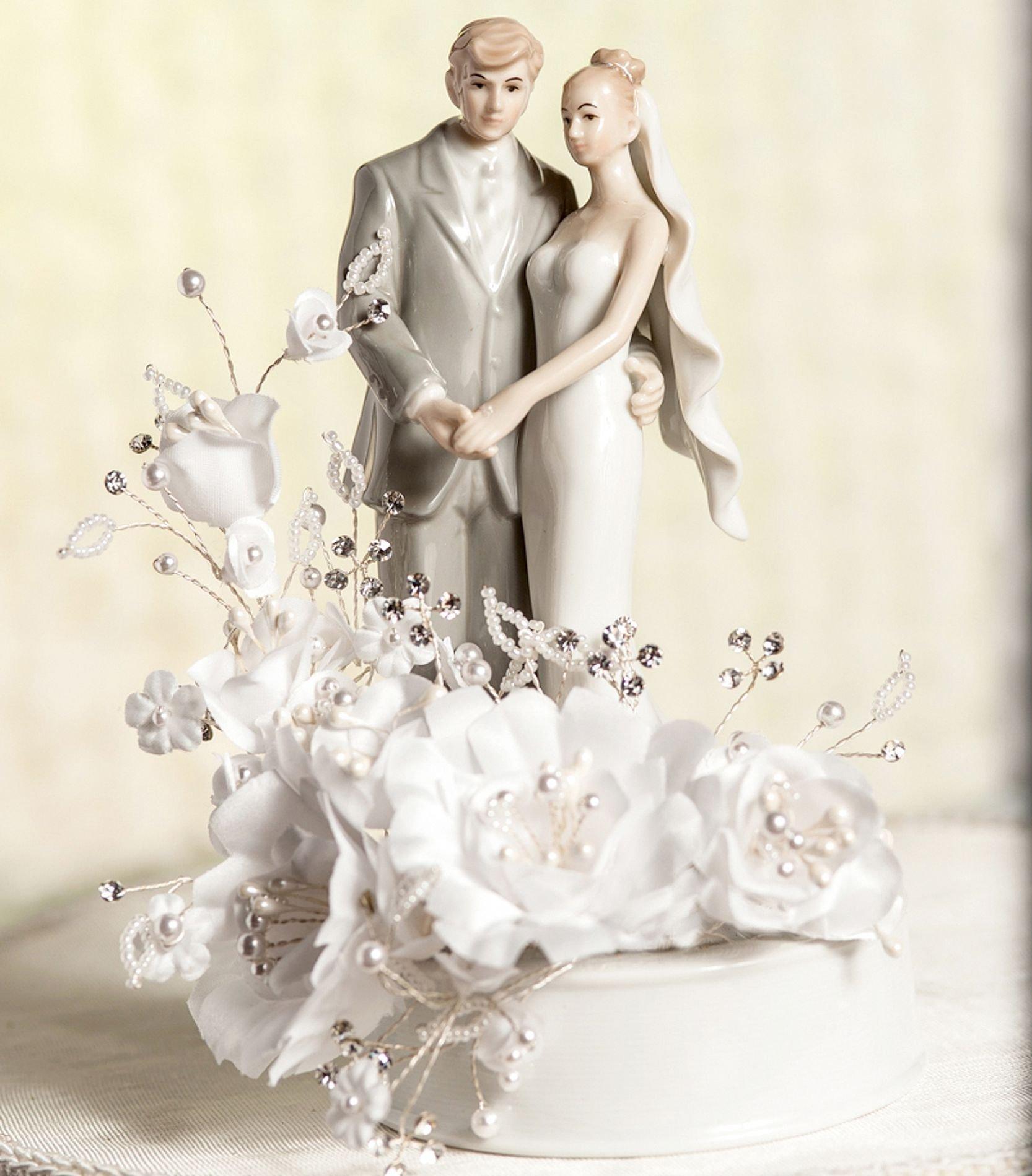 Adored Vintage 10 Vintage Inspired Wedding Cakes: Vintage Bride And Groom Wedding Cake Topper
