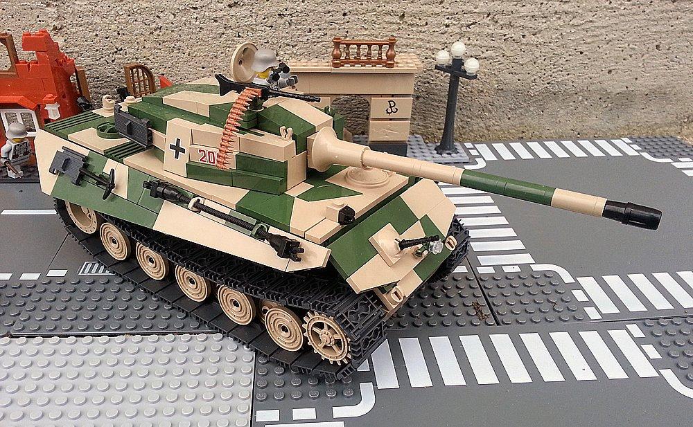 Modbrix 2460 – ✠ Bausteine Königstiger Panzer, inkl. custom Wehrmacht Soldaten aus original Lego© Teilen ✠ jetzt kaufen