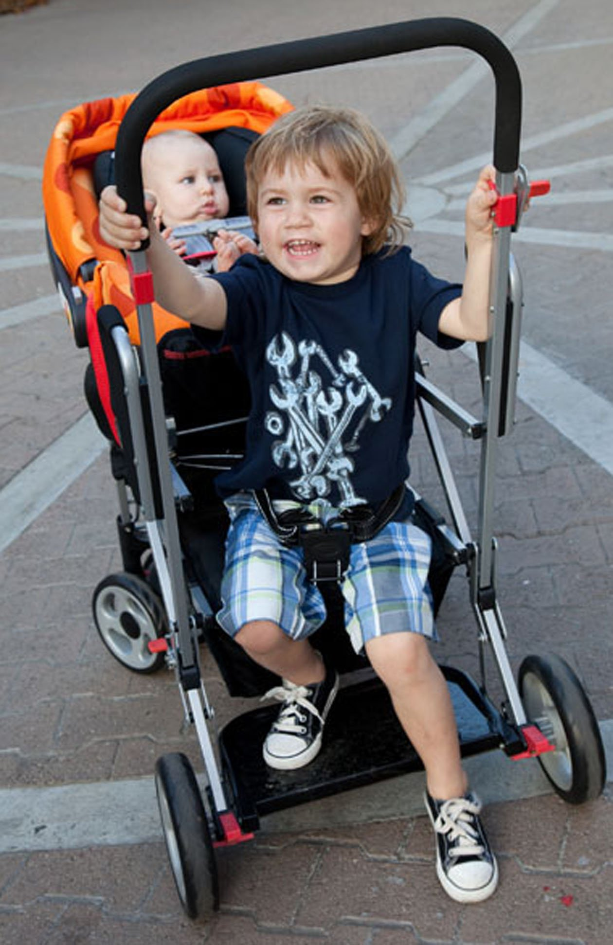 sit and stand tandem stroller