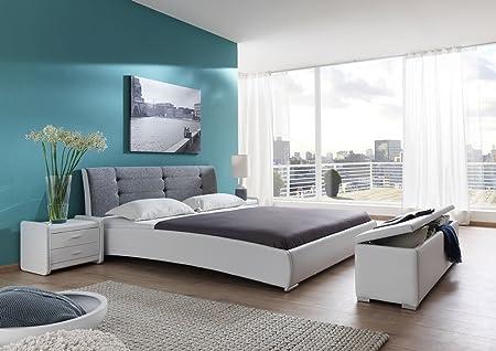XXS® Bebop Polsterbett 120 x 200 cm in edlem weiß-grau, Bett mit gepolstertem Kopfteil und pflegeleichter Oberfläche, abgestepptes Design, stilvolle chrom-farbene Fuße, auch als Wasserbett verwendbar