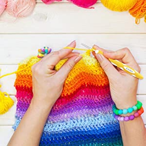 ?Latest Design?Ergonomic Crochet Hooks with Extreme Long Soft Handle, 9pcs (2.0~6.0mm) Crochet Hooks Set with PU Zipper Case
