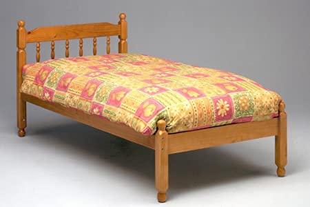 4'6 COLONIAL SPINDLE BED IN HONEY PINE WITH MEMORY FOAM 5000 MATTRESS