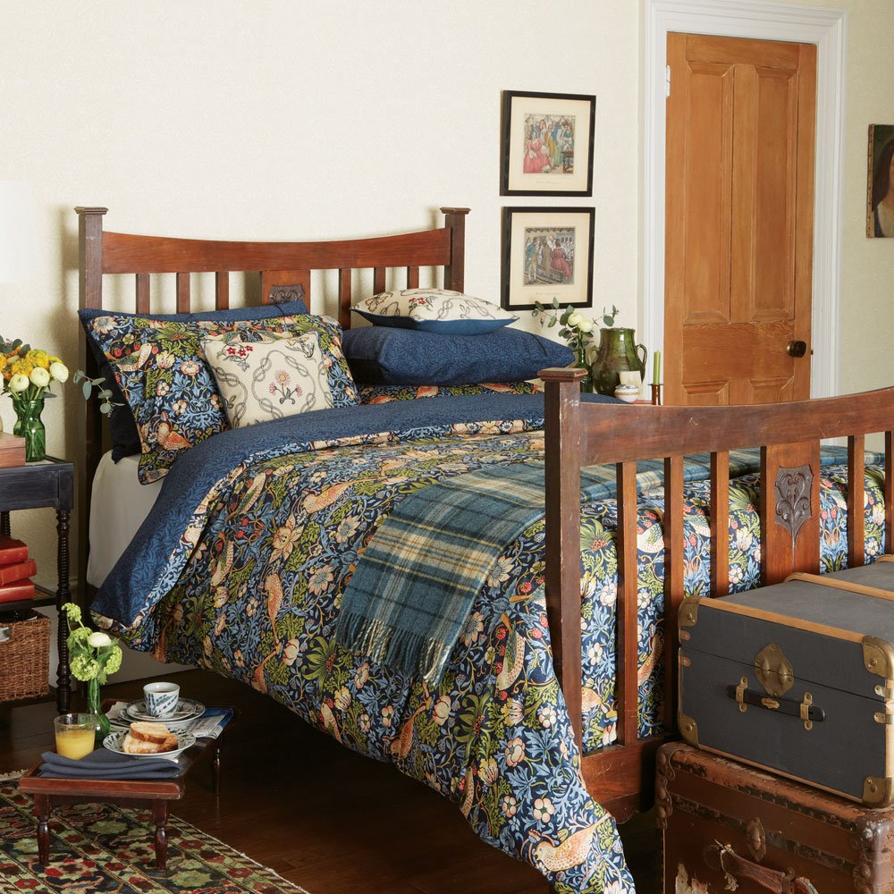 William Morris Bedding, Strawberry Thief Kingsize Duvet Cover, Indigo       review and more information