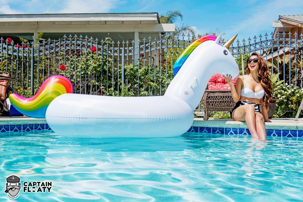 Captain Floaty Giant Unicorn Swimming Pool Float 8 Inflatable Raft For Kids Ebay