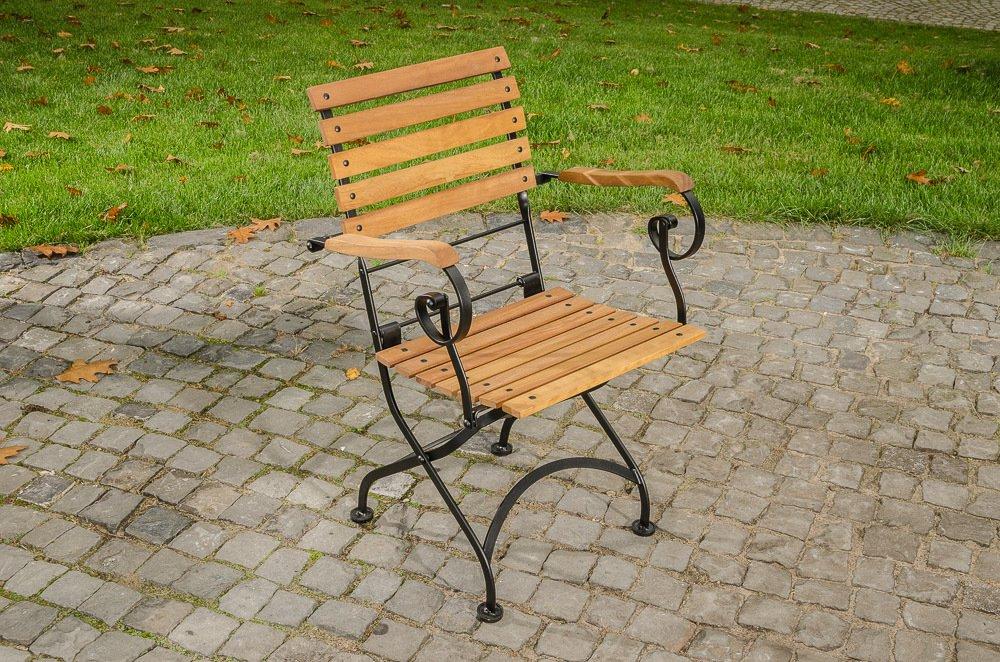 CLP romantische Klappstuhl PINA mit Armlehnen aus galvanisiertem Eisen und hochwertigem Teak schwarz