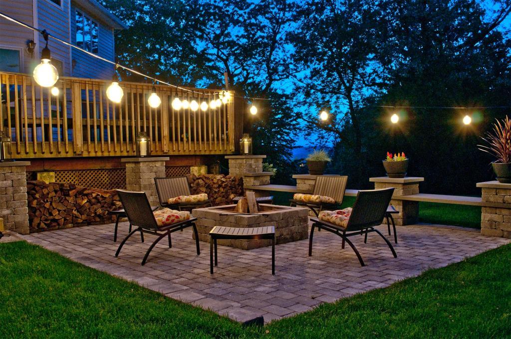 outdoor string light w incandescent 11s14 bulbs 48 feet 15 lights