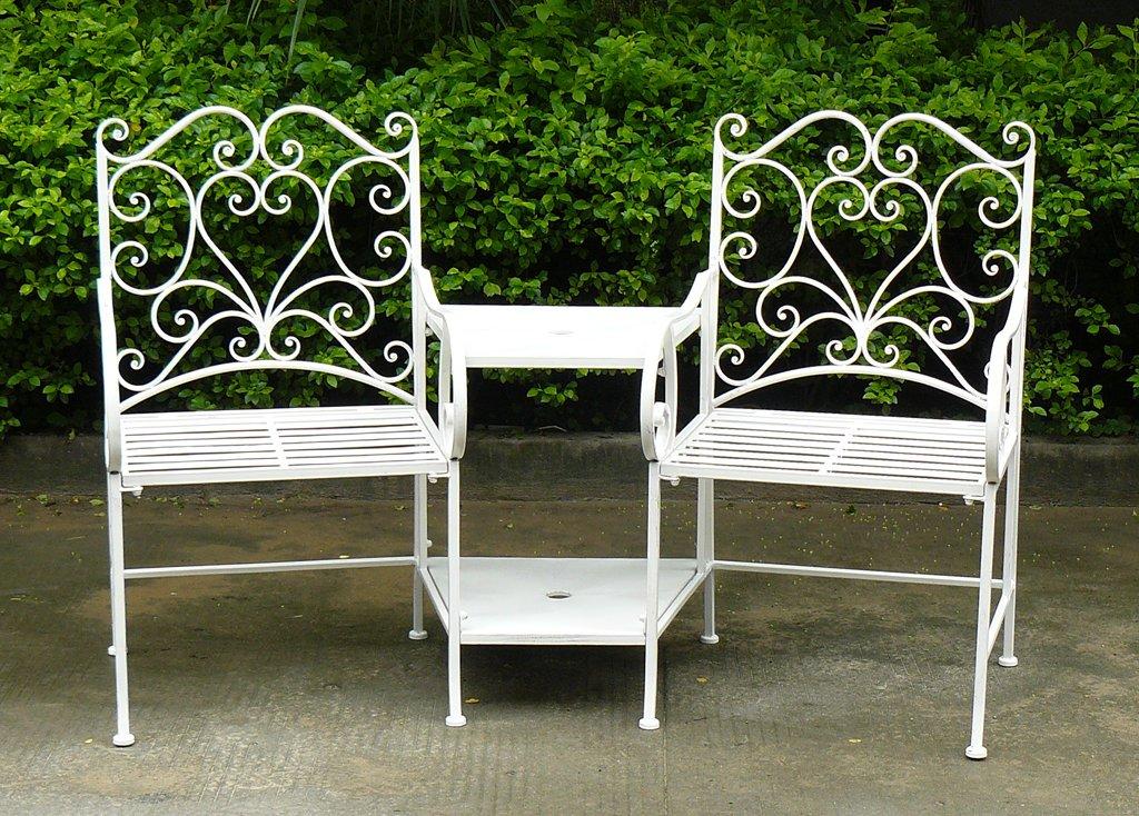 Bentley Garden – Sitzgruppe aus Schmiedeeisen – Gartenmöbel – Romantische Herz-Ornamente – Weiß jetzt bestellen