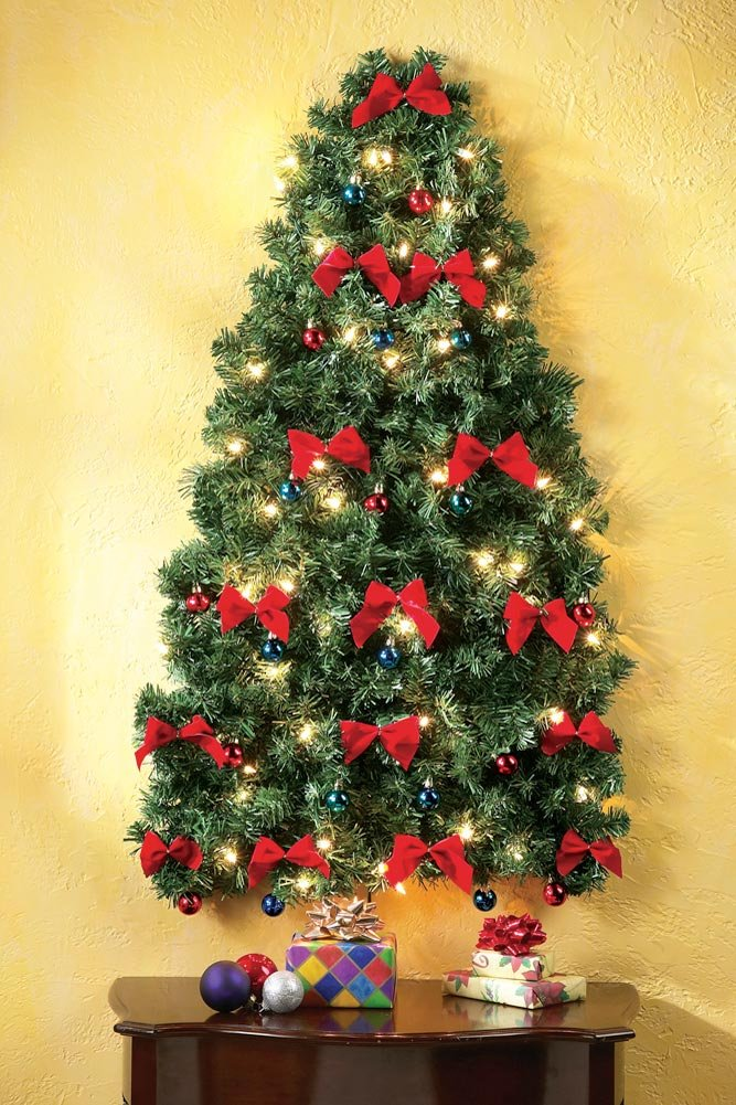 Lighted Christmas Wall Tree