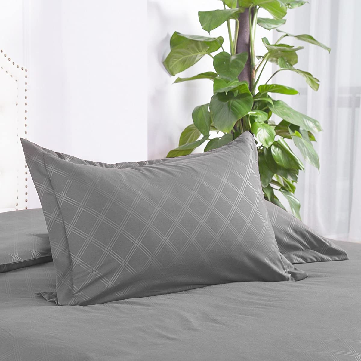 "Duvet Cover Set Full/Queen Grey Diamond Pattern Zipper Closure Hypoallergenic Microfiber ""Holloway"" by Bedsure"