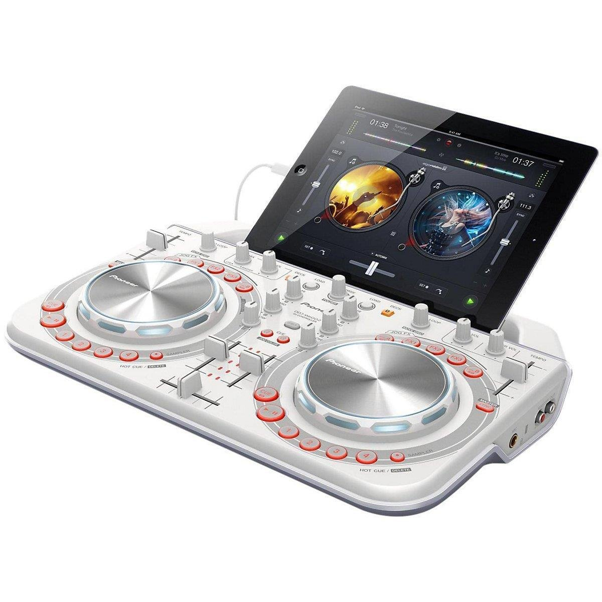 top 10 best ultimate all in one dj controllers reviews 2018 2019 on flipboard by topsee. Black Bedroom Furniture Sets. Home Design Ideas