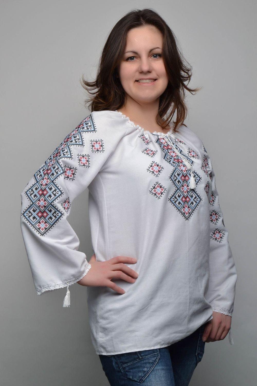 Damen Bluse mit Stickerei jetzt bestellen