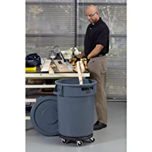 Rubbermaid Commercial FG263200GRAY Brute LLDPE Round Container without Lid, 32-gallon, Gray
