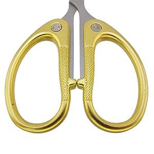 Embroidery Scissors - 4 1/2 Fine Cut Sharp Point Titanium Scissors w/Sheath - Small Craft Snip Scissors - Gold - 3 Pairs (Color: Gold, Tamaño: 3 Pairs)