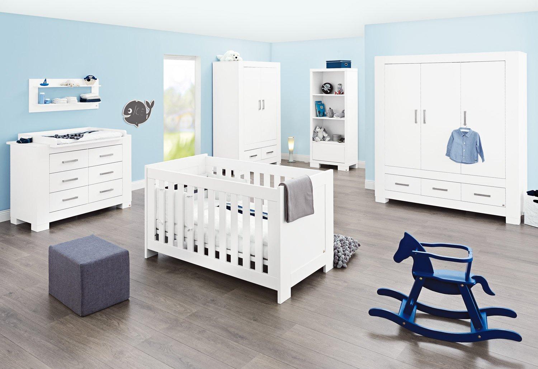 Pinolino Kinderzimmer Ice breit groß, 3-teilig, Kinderbett (140 x 70 cm), breite Wickelkommode mit Wickelaufsatz und großem Kleiderschrank, weiß Edelmatt  (Art.-Nr. 10 34 13 BG)