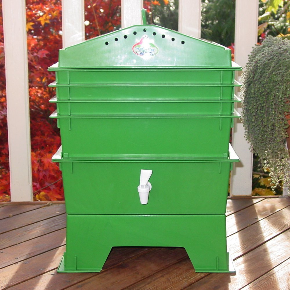 Top 10 best garden composter reviews 2016 2017 on flipboard for Achla designs cp 03 kitchen compost pail