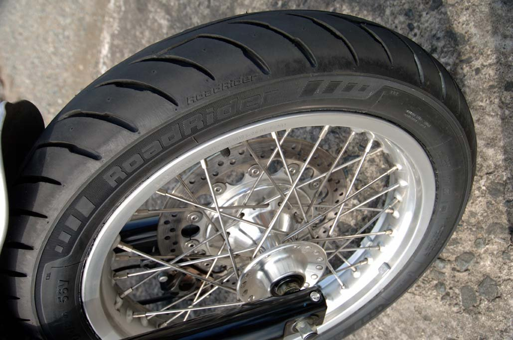 Avon Roadrider AM26 Universal Classic/Vintage Motorcycle Tire -110/80-18 2