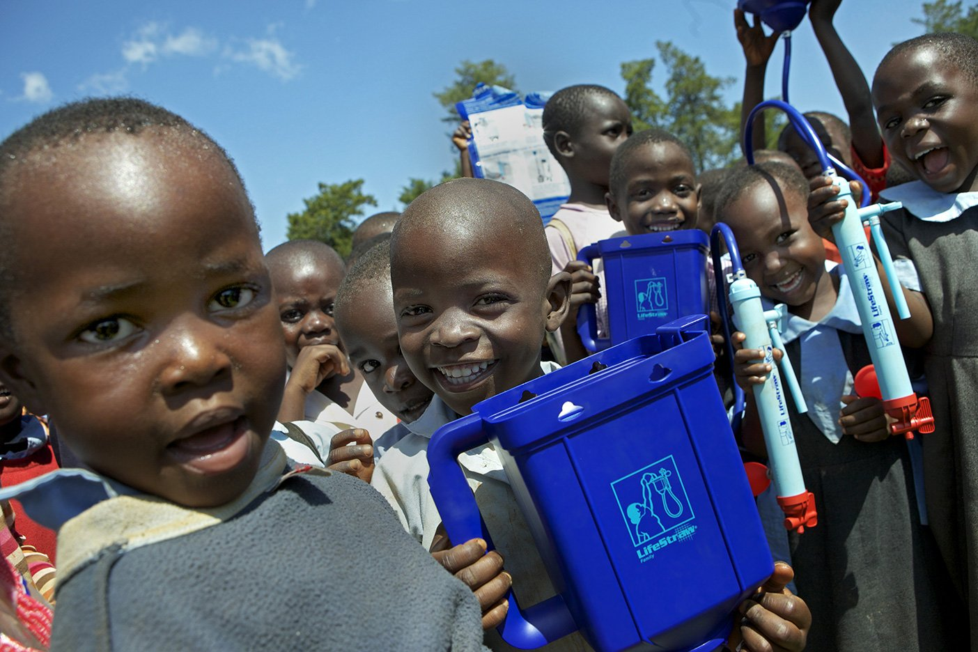 Help Kenyans drink clean water.
