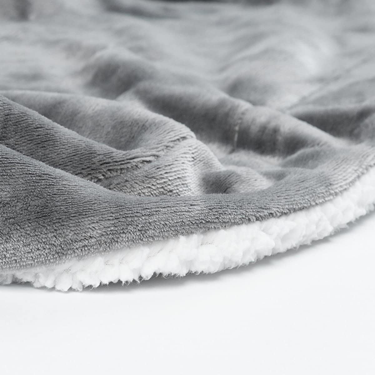 Sherpa Throw Blanket Lt Grey 50x60 Reversible Fuzzy Microfiber All Season Blanket for Bed or Couch by Bedsure