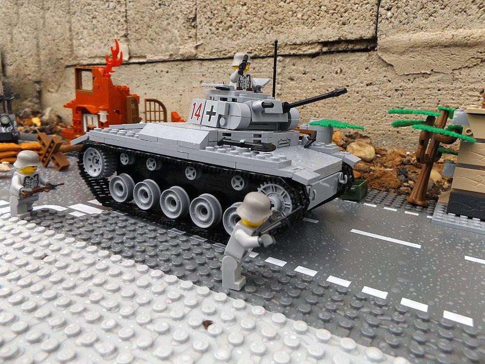 Modbrix 2459- ✠ Bausteine Panzer Pzkpfw II Ausf. C inkl. custom Wehrmacht Soldaten aus original Lego© Teilen ✠ günstig
