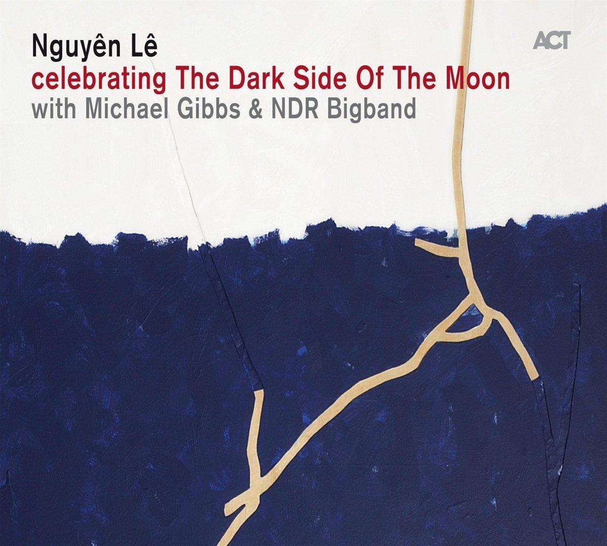 Celebrating the dark side of the moon [enr. sonore] / Nguyên Lê.-