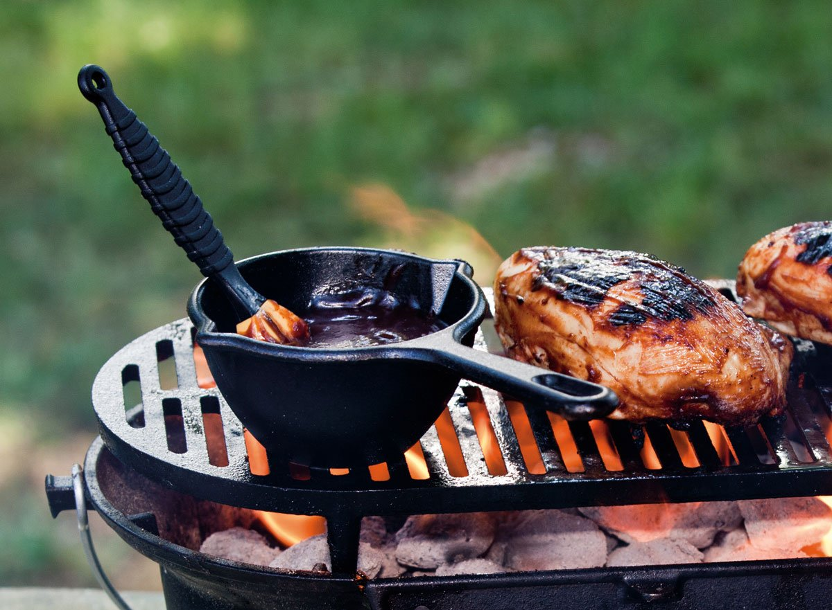 Lodge L410 Pre-Seasoned Sportsmans Charcoal Grill