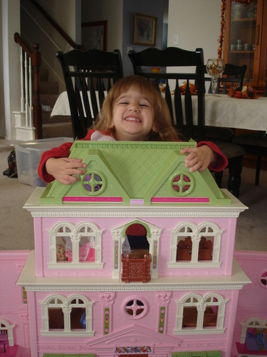 best inexpensive dollhouses for little girls and toddlers on flipboard by ppg213. Black Bedroom Furniture Sets. Home Design Ideas