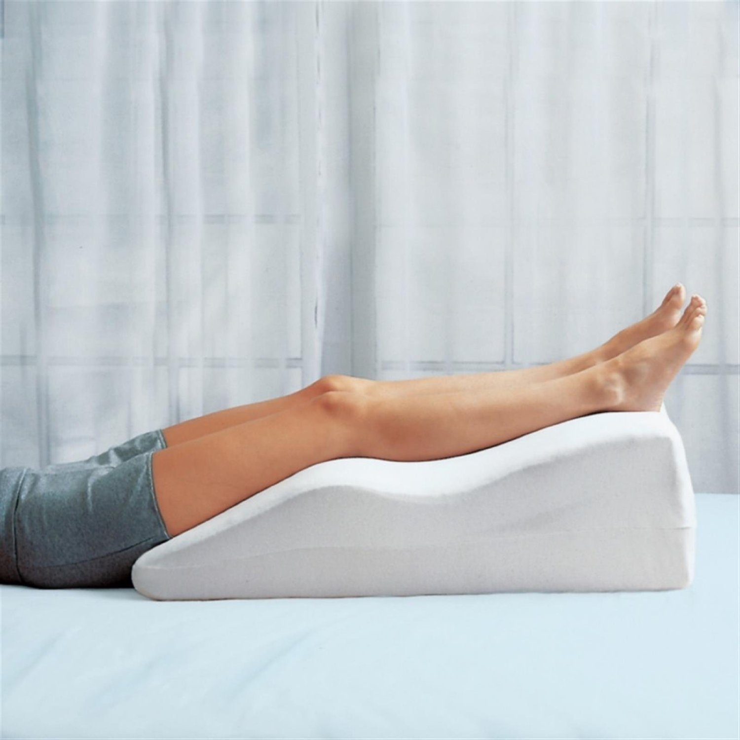 Leg Elevation Pillow Amazon.com Foam Leg Pillow