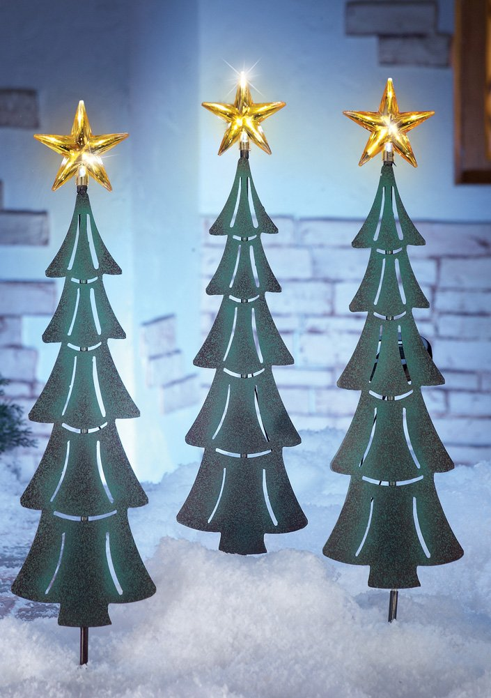 christmas trees yard stakes christmas wikii. Black Bedroom Furniture Sets. Home Design Ideas