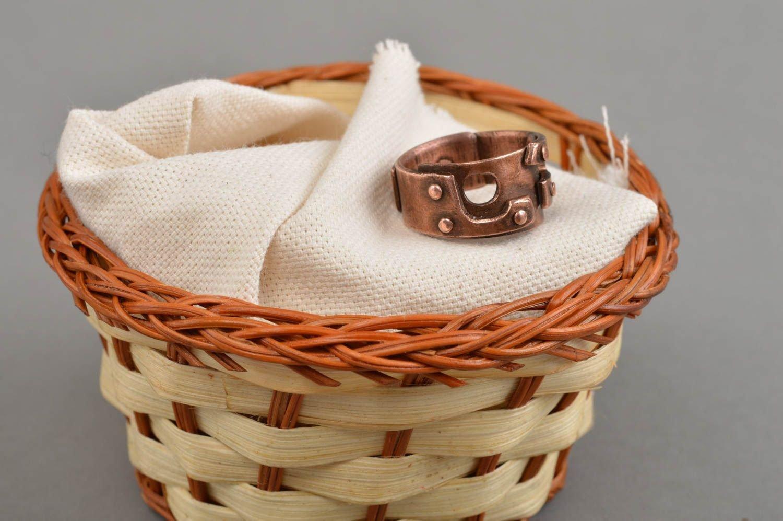 Schöner massiver brauner eleganter handgemachter Ring aus Kupfer für Herren jetzt kaufen