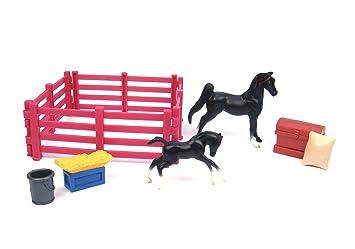 Breyer - 5414 - Figurine - Animal - Cheval - Poulain Et Accessoires