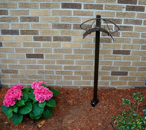 Ames True Temper Decorative Free Standing Metal Hose Hanger 2392100 Discontinued