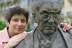 Nina L. Khrushcheva