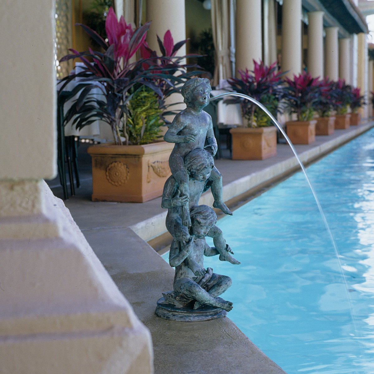 Stsatuette For Outdoor Ponds: Beautiful Fountains For Garden: Solar And Sculptural