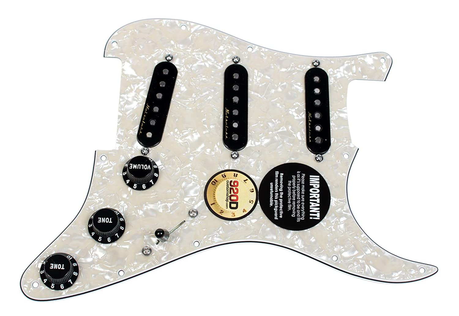 Fender Vintage Noiseless Loaded Strat Pickguard Aged White Pearl / Black boat output loaded jack chrome plate socket for fender strat