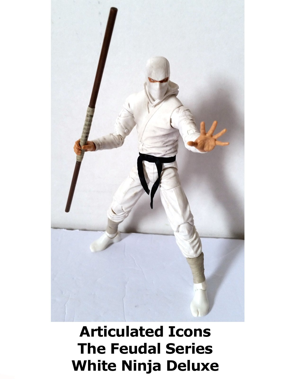 Review: Articulated Icons The Feudal Series White Ninja Deluxe