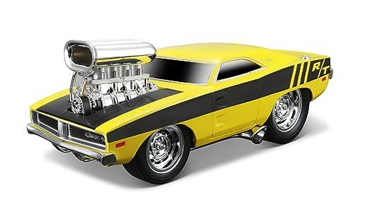 Maisto - 2043069 - Maquette De Voiture - Dodge Charger R/t '69 - Jaune - Echelle 1/24
