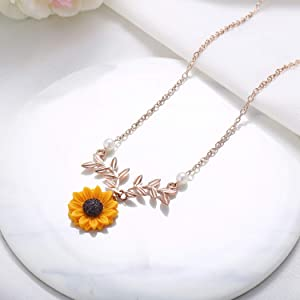 AMDXD Jewelry Stainless Steel Necklace for Women Sun Flower Pendant Necklace Love Gold