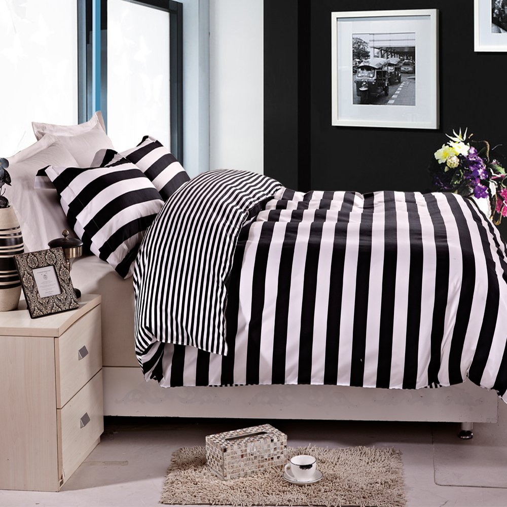 Black and grey bedding - Black And White Striped Reversible Printed Microfiber Duvet Cover