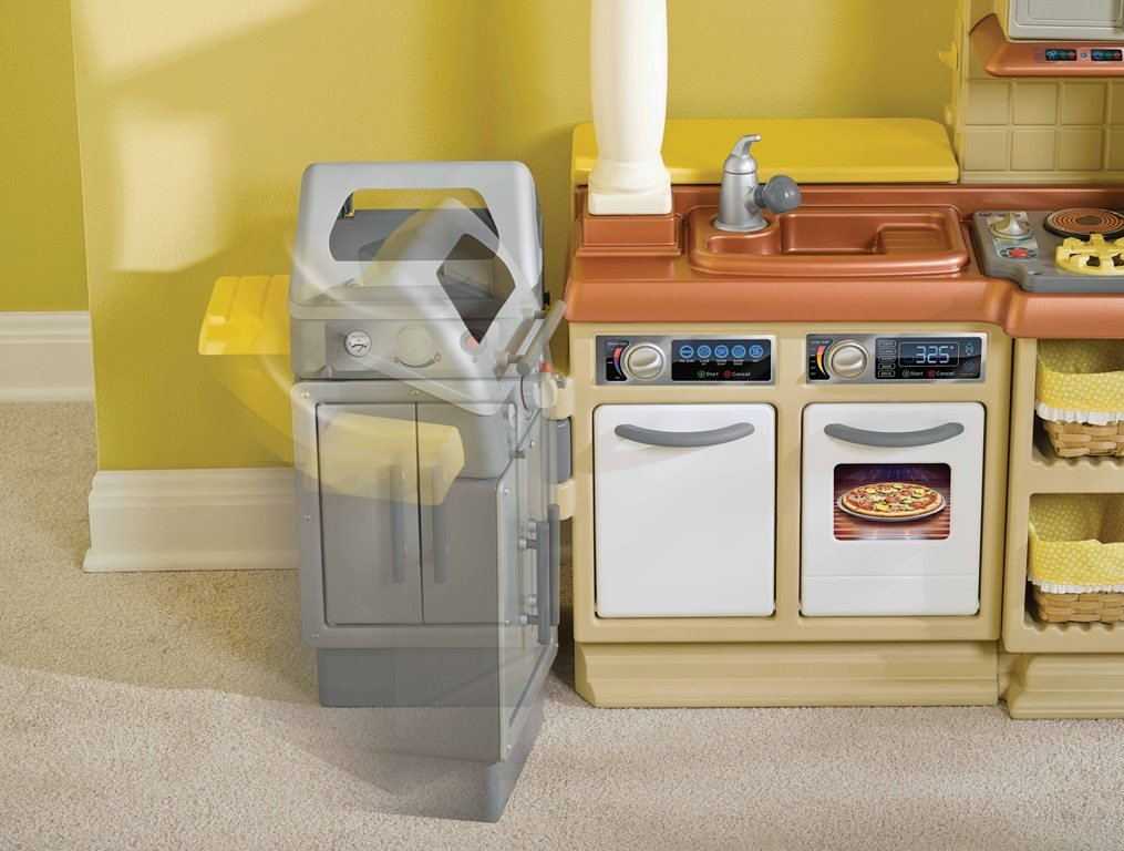 An Image of Little Tikes Sizzle N Serve Kitchen