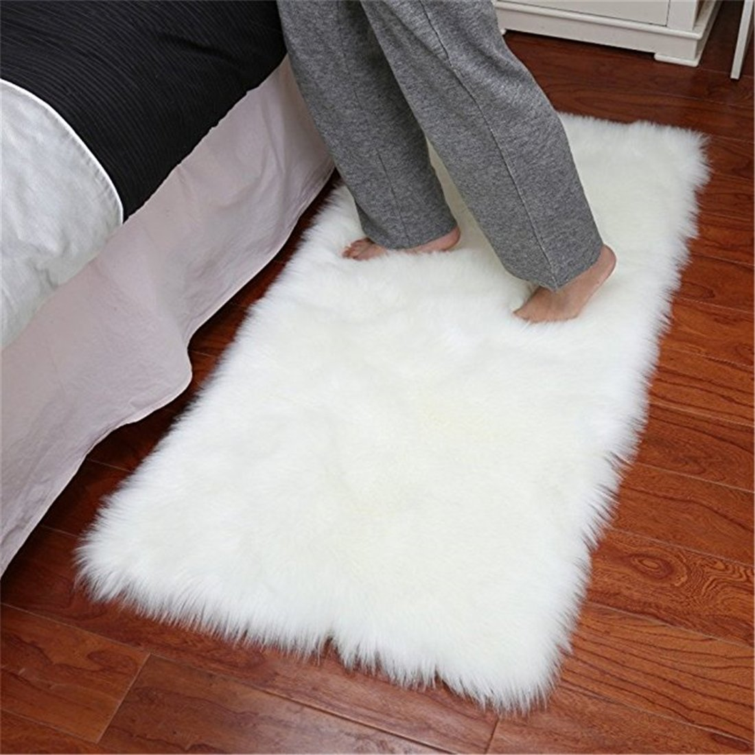 FurFurug Faux Silky Deluxe Sheepskin Area Shag Rug Children Play Carpet