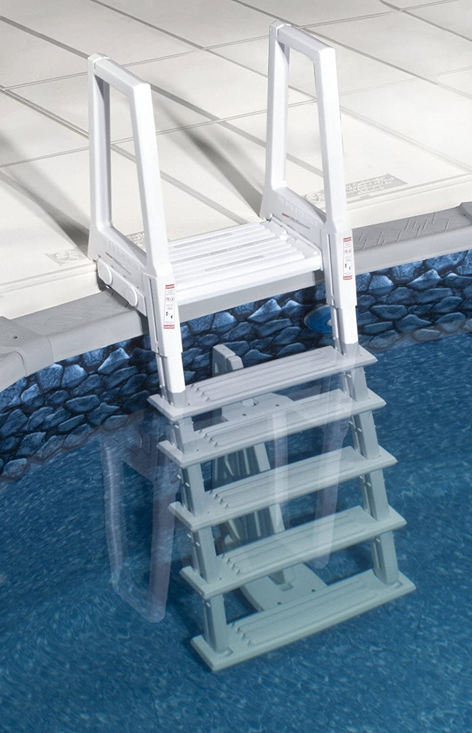 Heavy duty swimming pool ladders