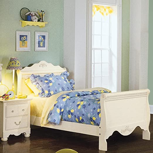 Standard Furniture Diana Sleigh Bed In White - Full