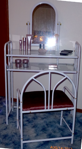 Coaster Glossy White Metal Makeup Vanity Table Set With Mirror I