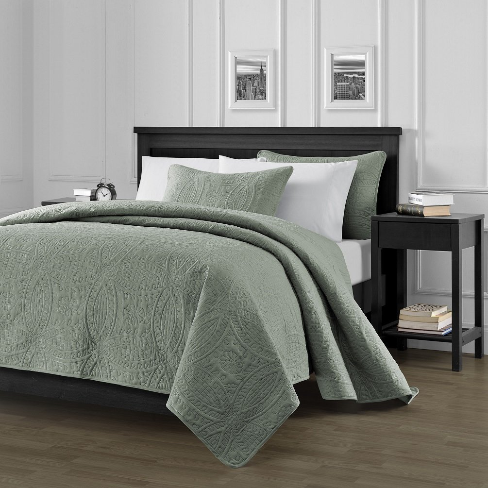 "Chezmoi Collection Austin 3-piece Oversized (100""x106"") Bedspread Coverlet Set Queen, Sage"